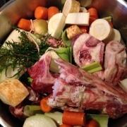 Suppe kogt på ben